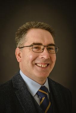 Ian D Hunt FCILEx